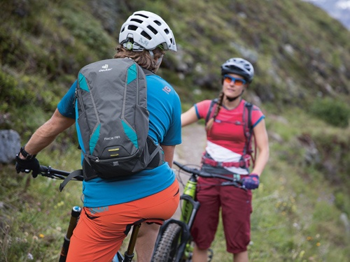 Bike_RaceAir_SideShot_3_Martin-BissigRBG
